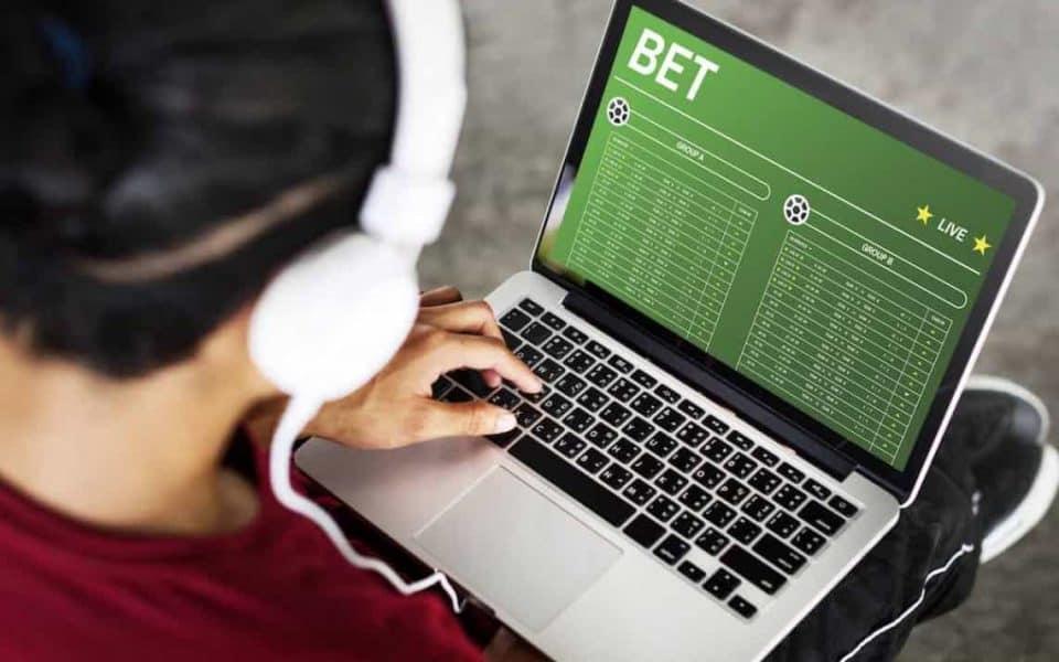 Faktor Yang Perlu Dipertimbangkan Saat Memilih Sportsbook Online -  tanin.website